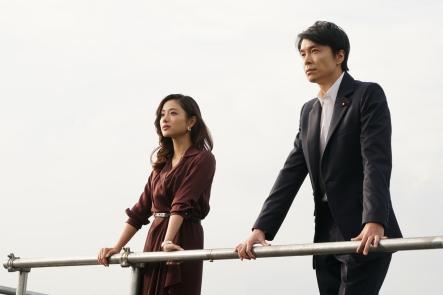 satomi-ishihara-and-hiroki-hasegawa-in-GODZILLA-RESURGENCE